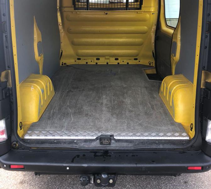 Transporter mieten in Wehr Umzugsauto Opel Vivaro Kastenwagen